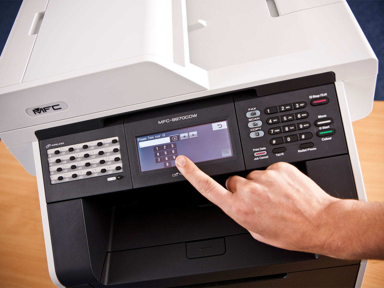 Stampante multifunzione Brother MFC con installato software di stampa gestita B-Guard